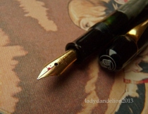 pelikan beak and hat